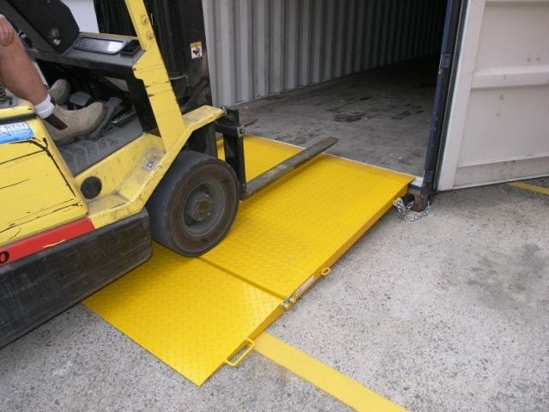 8-tonne-forklift-container-ramp